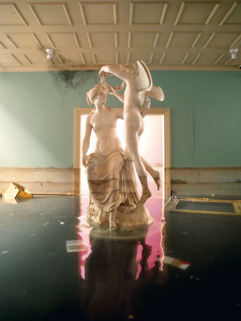 After the Deluge: Statue, 2007 Chromogenic print ©David LaChapelle Courtesy Galerie Des Bains